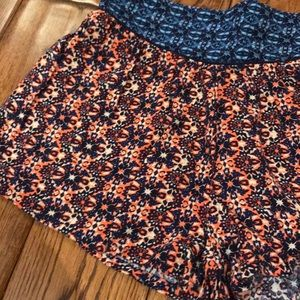Francesca's Collections Shorts - Patterned stretch shorts. High waisted. Size small